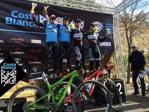 Mantecón y Skarnitzl ganan en la Costa Blanca Bike Race