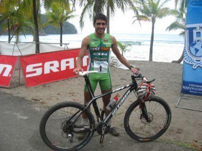 Los corredores de BikeZona campeones del mundo de Green Cup !