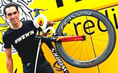 Alberto Contador compite en la Milan - Torino