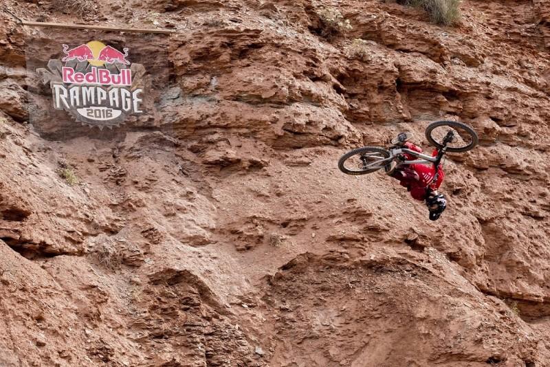 Brandon Semenuk triunfa en Utah y se lleva el Red Bull Rampage