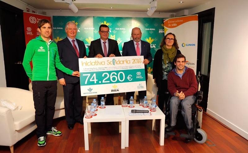 Caja Rural y Seguros RGA entregan su aportación a Fundación ONCE
