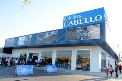 Ciclos Cabello abre la tienda de bicis más grande de Andalucía