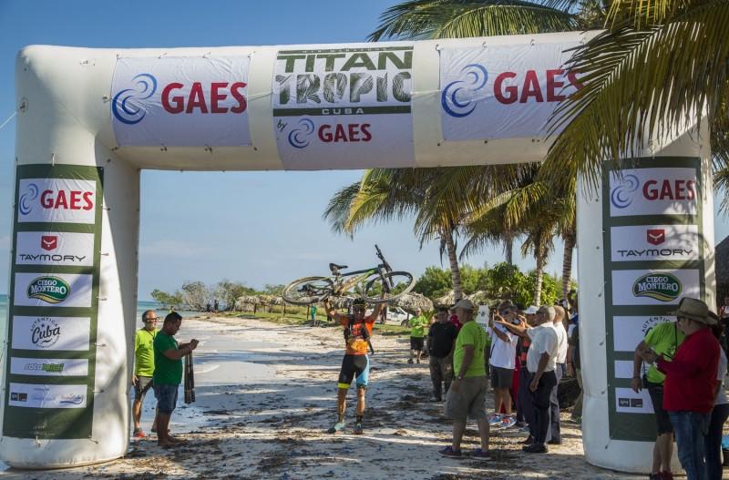 Diego Tamayo y Marlies Mejías conquistan la  Titan Tropic Cuba