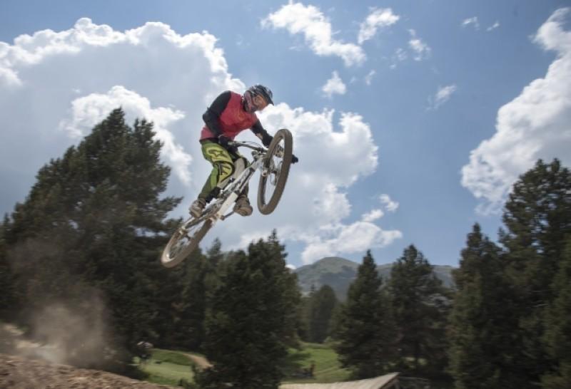 La Molina Bike Park celebra el alargamiento de temporada