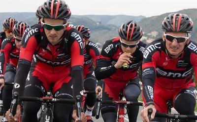 La Vuelta: BMC Team gana la crono de Puerto Banús