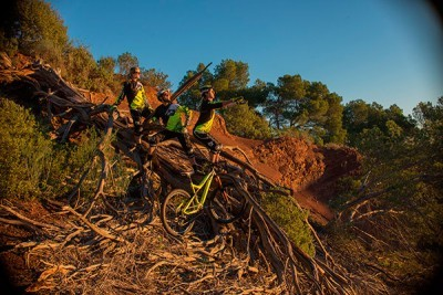 Nuevo Team COMMENCAL VALLNORD Enduro