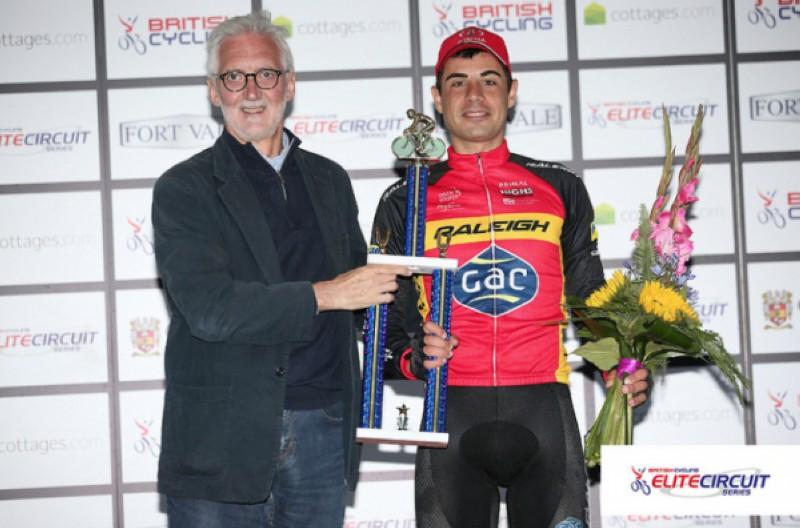 Sebastián Mora gana las Elite Circuit Series