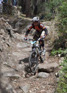 Jose Antonio Diez Arriola del Bikezona Team vence en el Enduro de Cerdigo