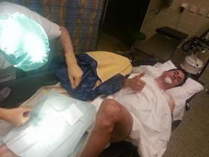 Dura caída de Carlos Coloma con rotura en el húmero