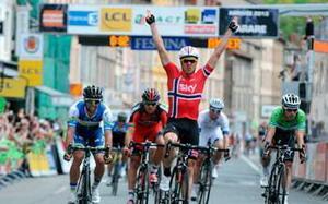 Edvald Boasson Hagen gana la tercera etapa de la Dauphine Libere