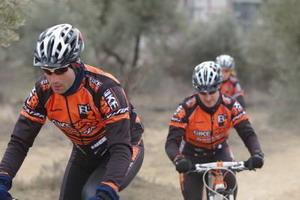 Fernando Eguiluz  (Bikezona Team ) sube al podio en Getxo