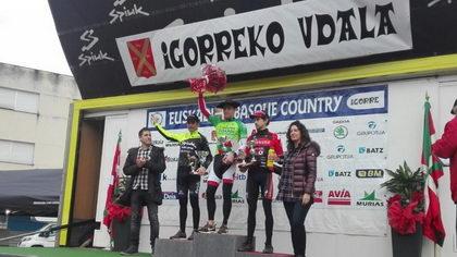 Aitor Hernández roza la victoria en Igorre