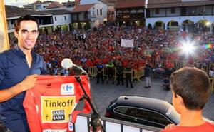 Alberto Contador fue homenajeado en Pinto