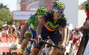 Alejandro Valverde supera a Sagan para llevarse la etapa del día