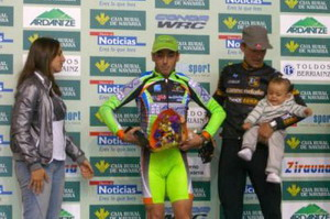 Bikezona Cannondale cumple en Arazuri a pesar de los cracks