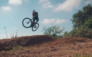 BH Bikes explora el mundo a través de Tobias Woggon