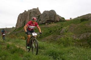 Carlos Coloma repite triunfo en La Rioja Bike Race