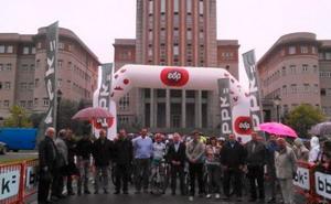 Cerca de 350 niños en la fiesta de la bici de Derio