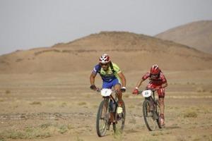 Colomé supera a Trujillo al sprint tras 90kms. escapados en la Titan