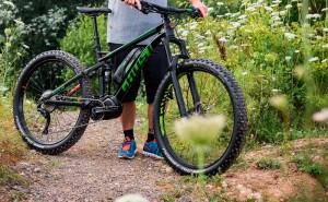 Competición de bicicletas electricas en la Sea Otter Europe