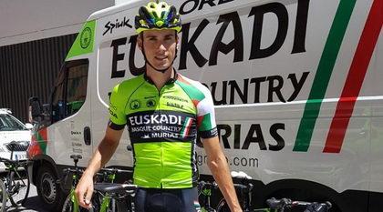 Cyril Barthe a profesionales con el Euskadi Basque Country - Murias Taldea