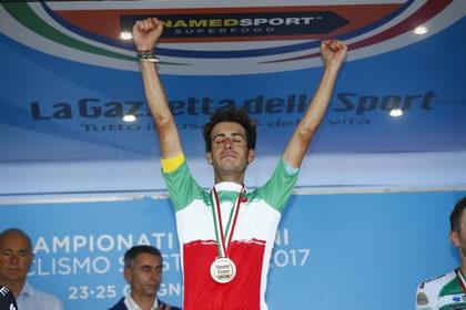 El Astana presenta su equipo para el Tour de Francia liderado por Fabio Aru