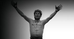 El Astana Team pide ayuda para la familia de Scarponi