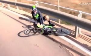 El vídeo de la caída de Izagirre se hace viral