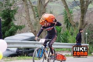 Fiesta del ciclismo en la cronoescalada de Santa Ageda