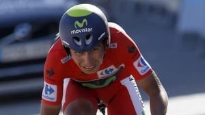 Fuerte caída del líder de la Vuelta Nairo Quintana