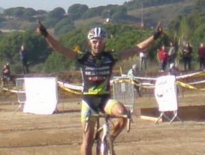 José Antonio Hermida gana en Mataró