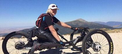 La atleta paralímpica Gema Hassen-Bey a coronar el Teide en silla de ruedas