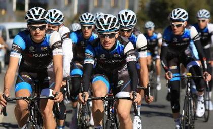La Fundación Alberto Contador ya ha completado sus equipos