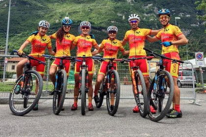 La selección preparada para el Team Relay de cinco corredores