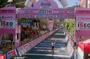 Victoria de etapa para  Lars Bak  en el Giro 2012
