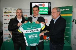 Luis León Sánchez presentado como corredor del Caja Rural RGA