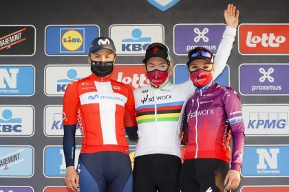 Movistar Team sube al podio en el  Omloop Het Nieuwsblad con Emma Norsgaard