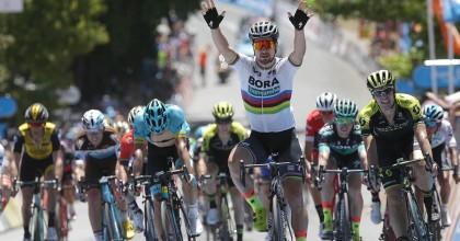 Peter Sagan vuelve a levantar los brazos en Australia