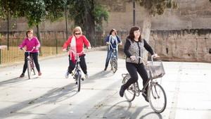 Proyecto para que las mujeres adultas aprendan a montar en bicicleta
