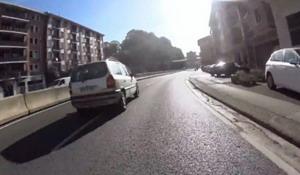 Se buscan testigos de adelantamiento peligroso a ciclista