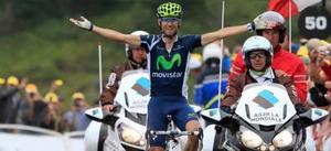 Alejandro Valverde dedica la victoria su equipo