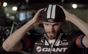 Vídeo: Cómo ponerse una gorra de ciclismo con el Team Giant