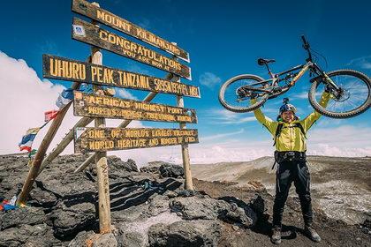 Vídeo: Danny MacAskill conquista el Kilimanjaro equipado con Endura