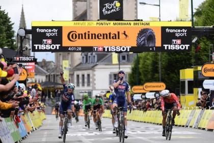 Vídeo Tour de Francia: Accidentada tercera etapa con victoria para Tim Merlier