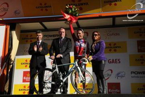 Purito recibe el trofeo como ganador del UCI World Tour 2012