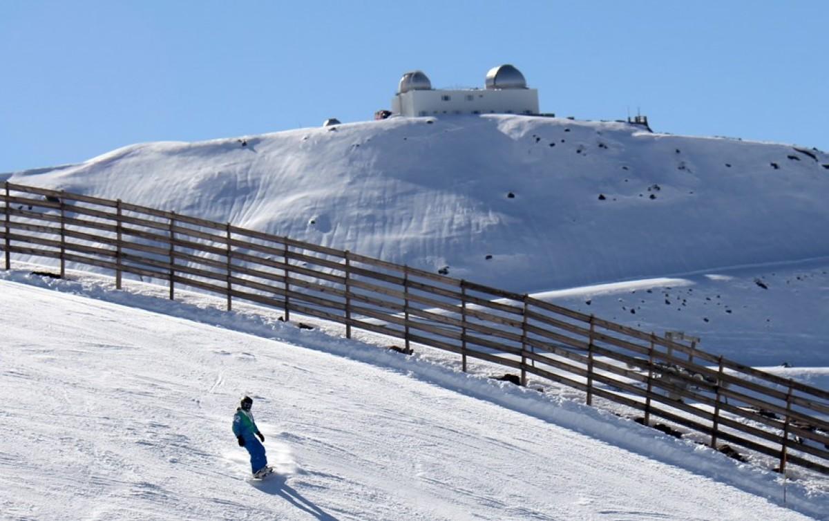 Sierra Nevada cierra el puente con cerca de 40.000 esquiadores