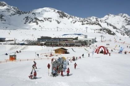 Esquiar en verano-Stubai Galcier