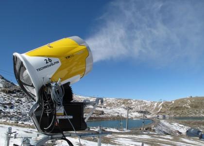 Sierra Nevada prueba el sistema de nieve producida