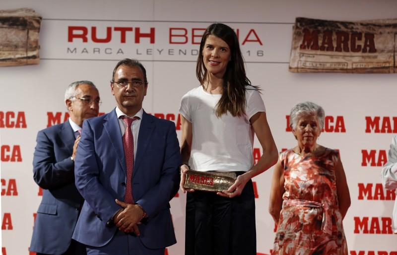 Ruth Beitia recibe el MARCA Leyenda