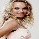 Caroline Wozniacki número uno en la pista y en belleza
